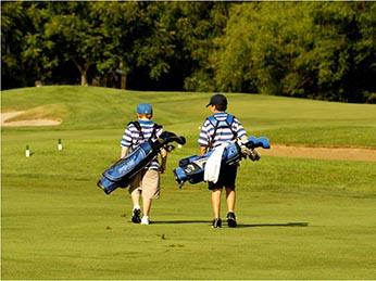 junior-golfers